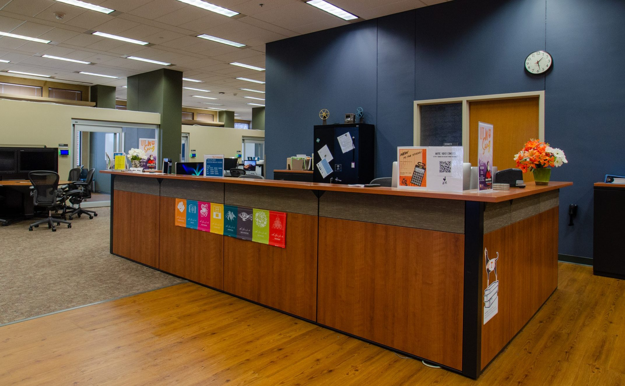 the studio service desk at hodges library