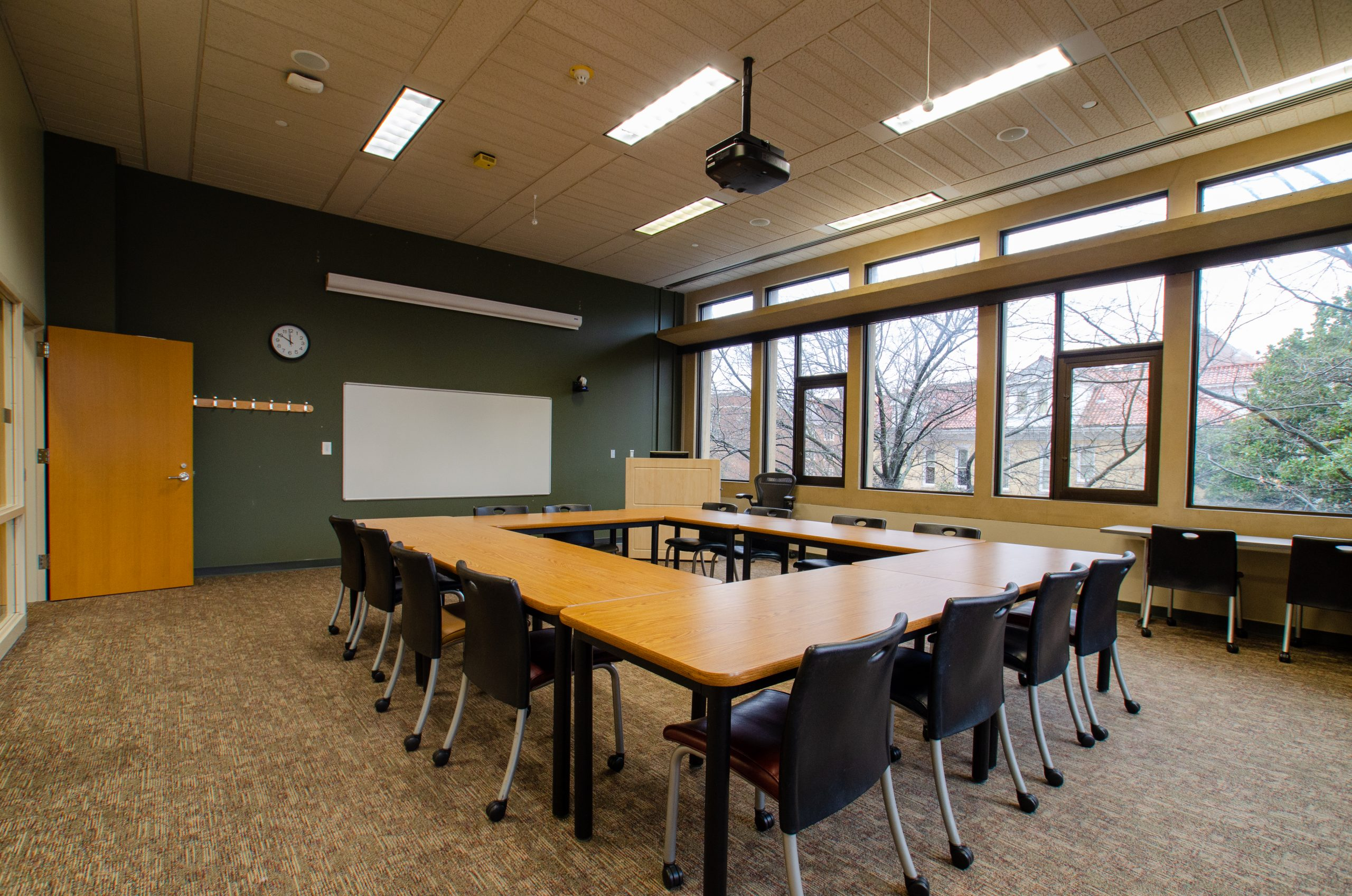 start presentation room in the commons of hodges library