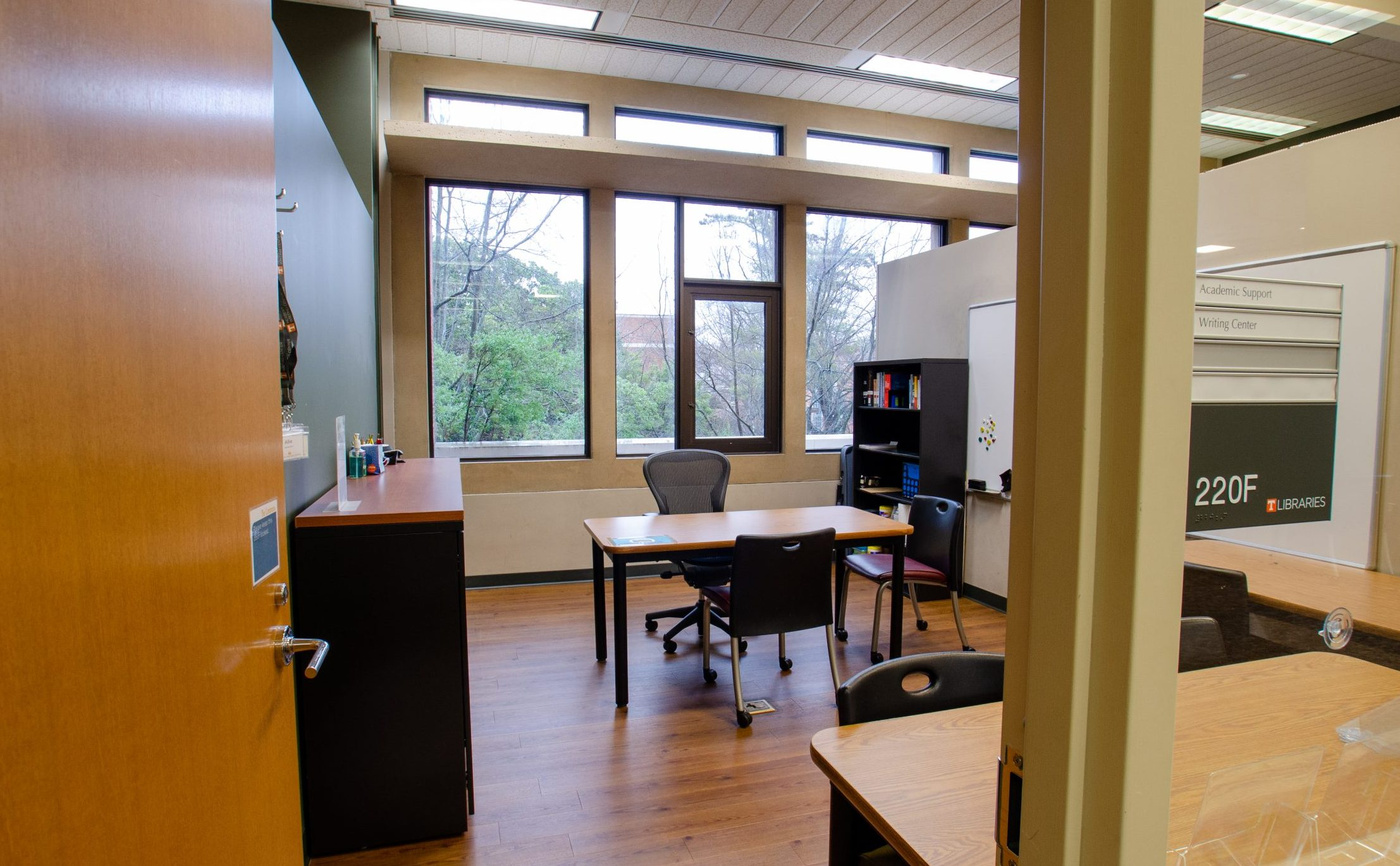 Judith Anderson Herbert Writing Center in the commons of hodges library