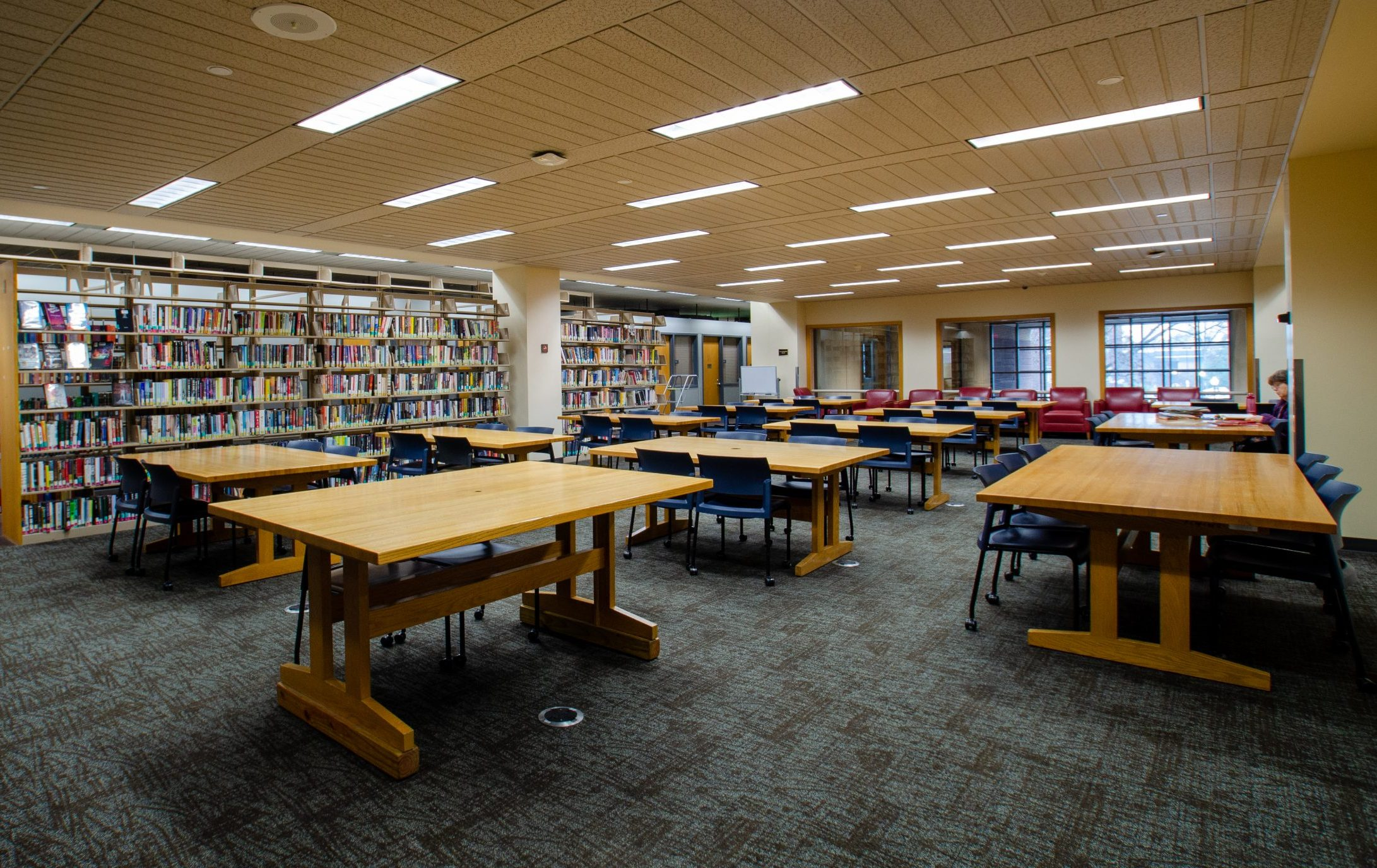 group study tables at hodges library ut knoxville
